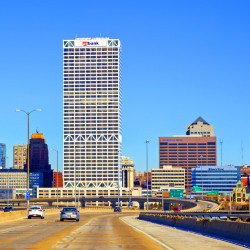 Milwaukee Skyline #9517