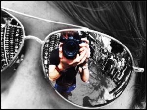 mirror_sunglasses_reflection_by_bender01101